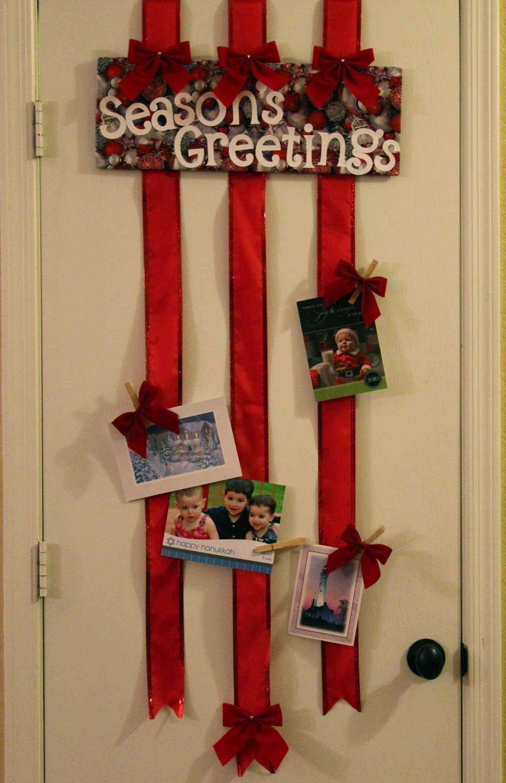 Ribbon Christmas card Display 1